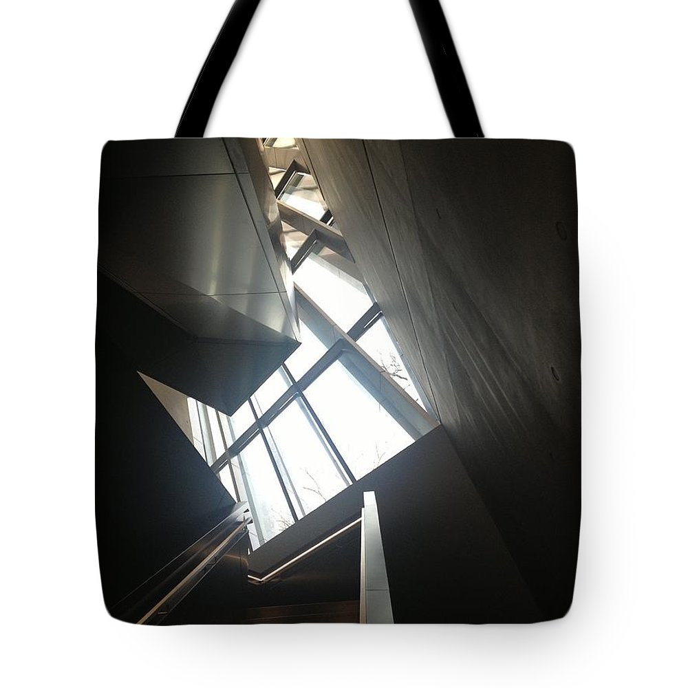 Art Tote Bag featuring the photograph Climb by Joseph Yarbrough