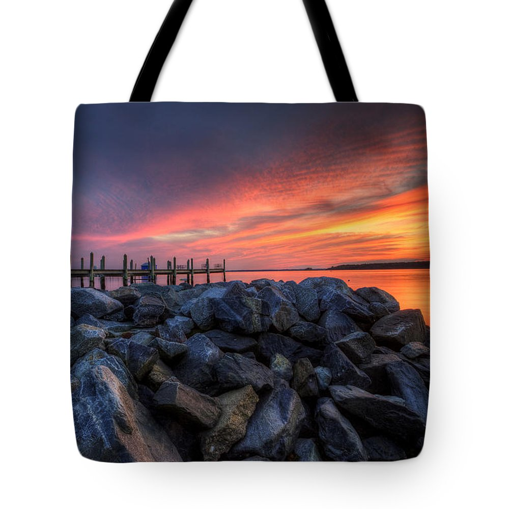 Sunset Tote Bag featuring the photograph Dewey Beach Sunset by David Dufresne
