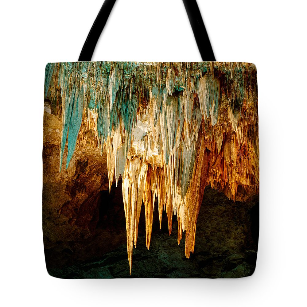 Carlsbad Caverns Tote Bag featuring the photograph Draperies And Stalactites by Tracy Knauer
