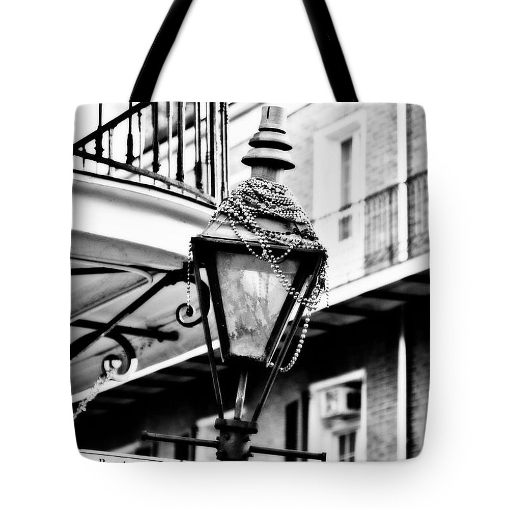 Black & White Tote Bag featuring the photograph Dressed For The Party- Bw by Scott Pellegrin