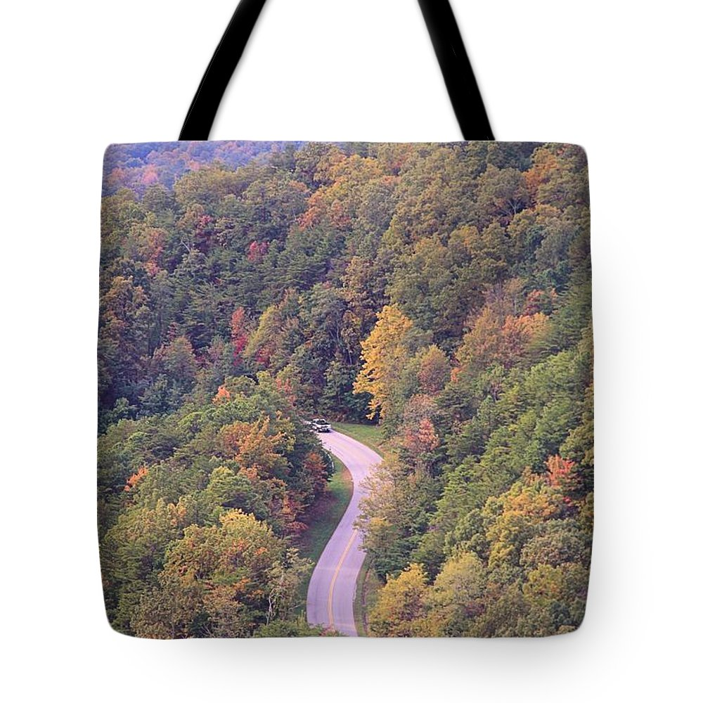 Fall Drive In The Smokies Tote Bag featuring the photograph Fall Drive In The Smokies by Dan Sproul
