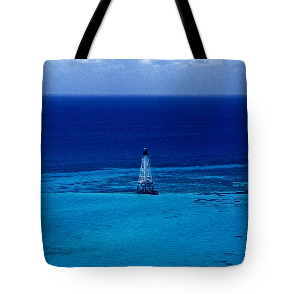 Fl Tote Bag featuring the photograph Fowery Rocks Lighthouse by Skip Willits
