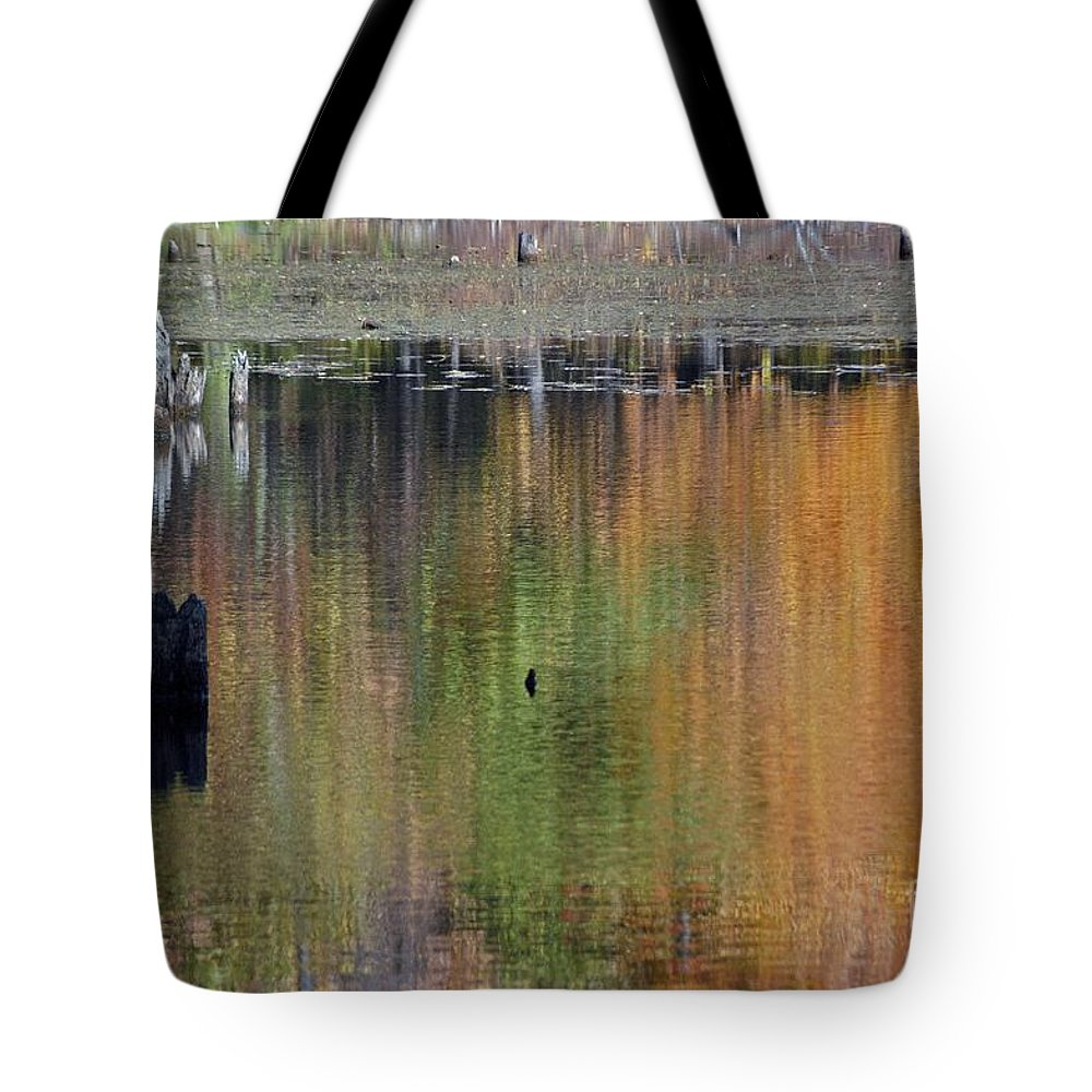 Fall Tote Bag featuring the photograph Glow by Joseph Yarbrough