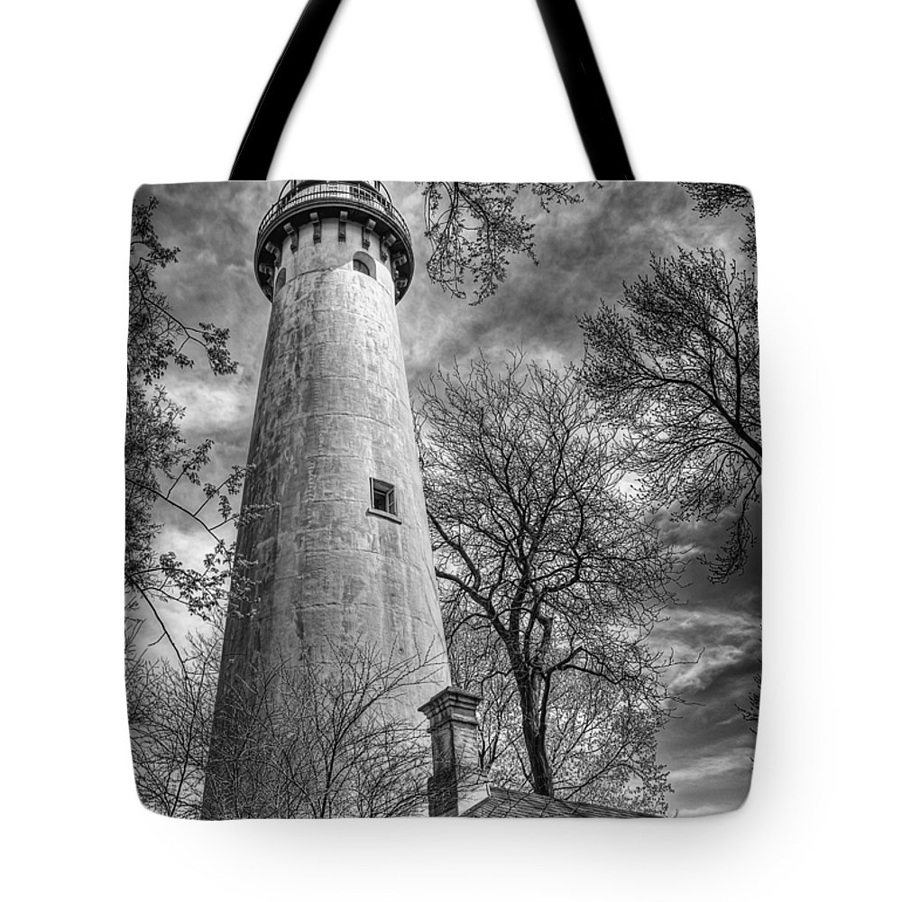 Lighthouse Tote Bag featuring the photograph Grosse Point Lighthouse by Scott Norris