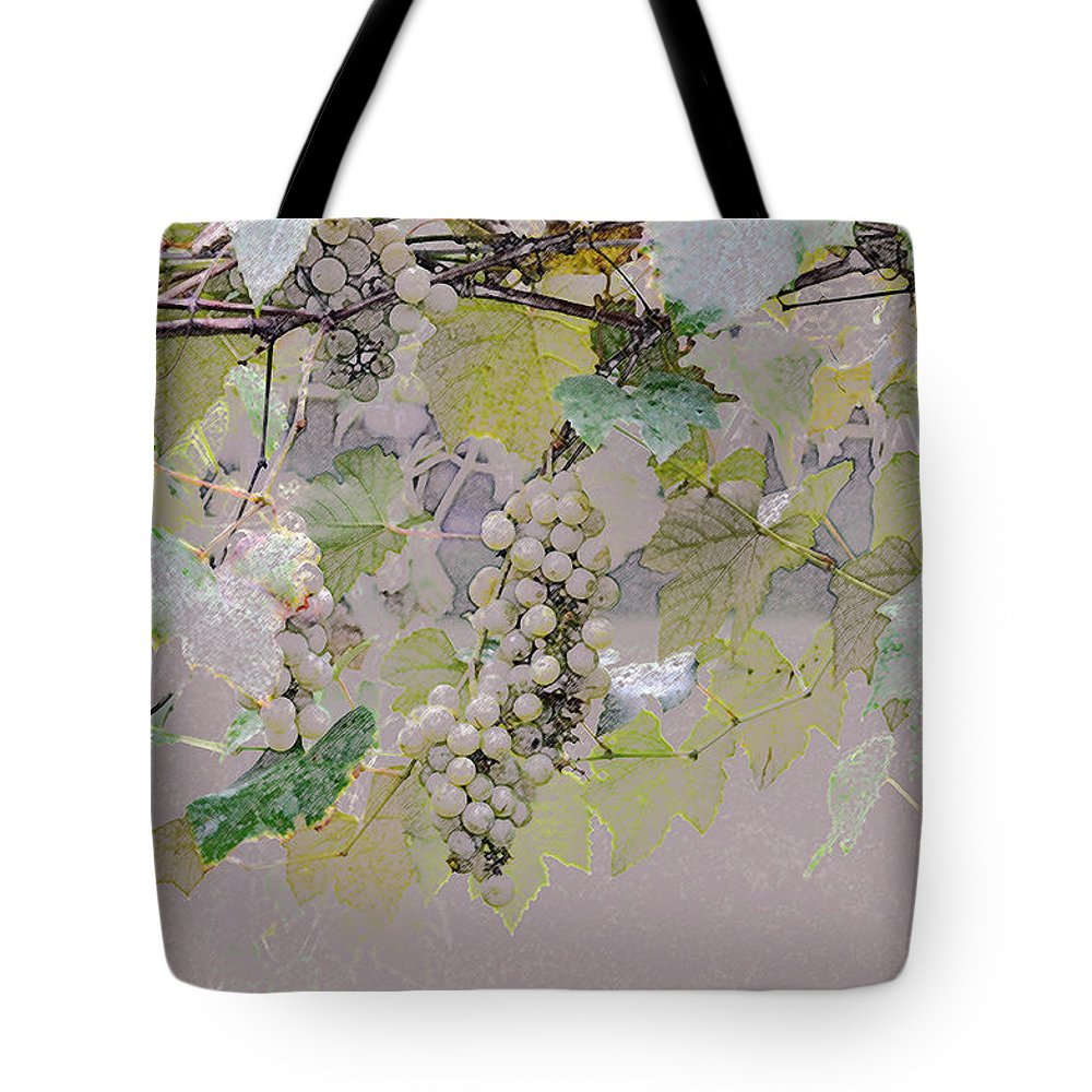 Horizontal Tote Bag featuring the photograph Hanging Thompson Grapes Sultana by Sally Rockefeller