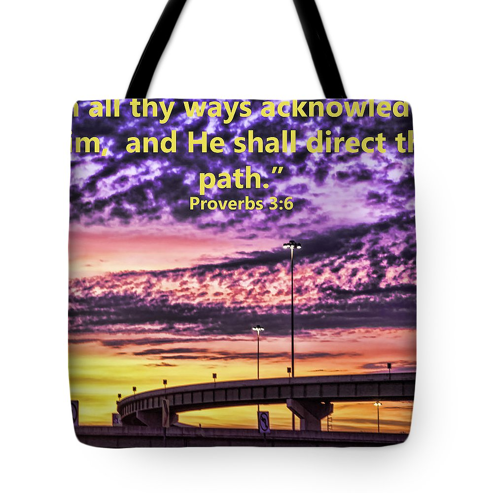 Sunrise Tote Bag featuring the photograph Interstate At Sunrise by Tracy Brock