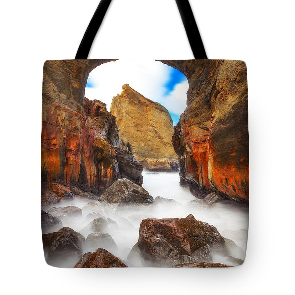 Oregon Tote Bag featuring the photograph Keyhole by Darren White