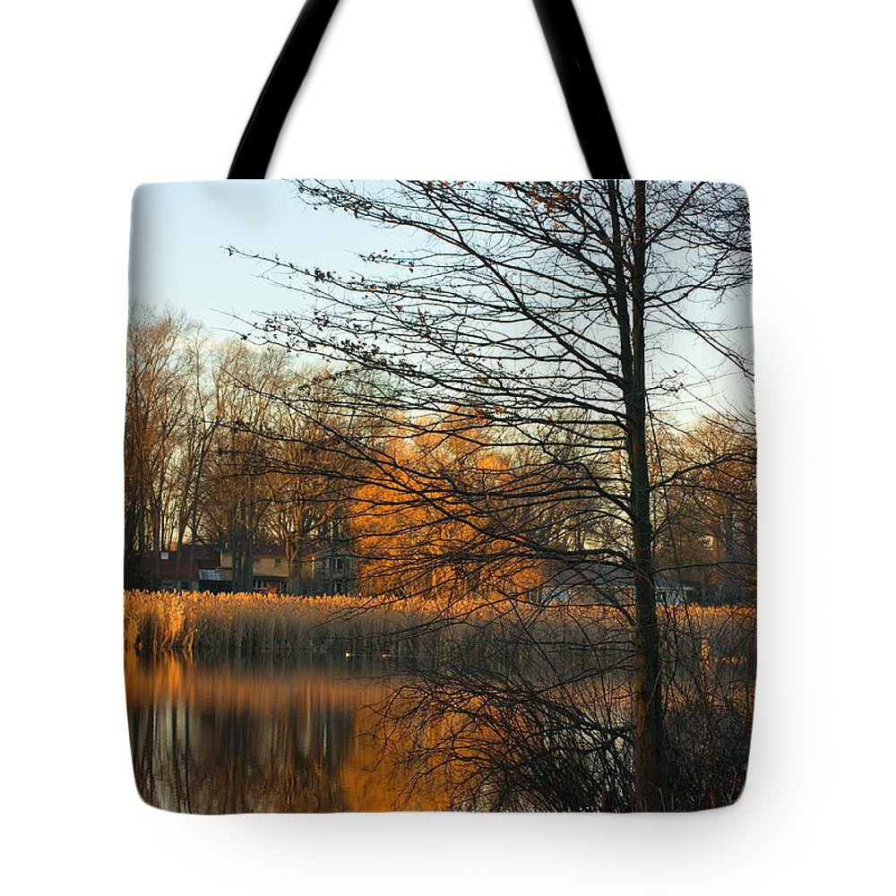 New England Tote Bag featuring the photograph Last Of The Sun by Marcel J Goetz Sr