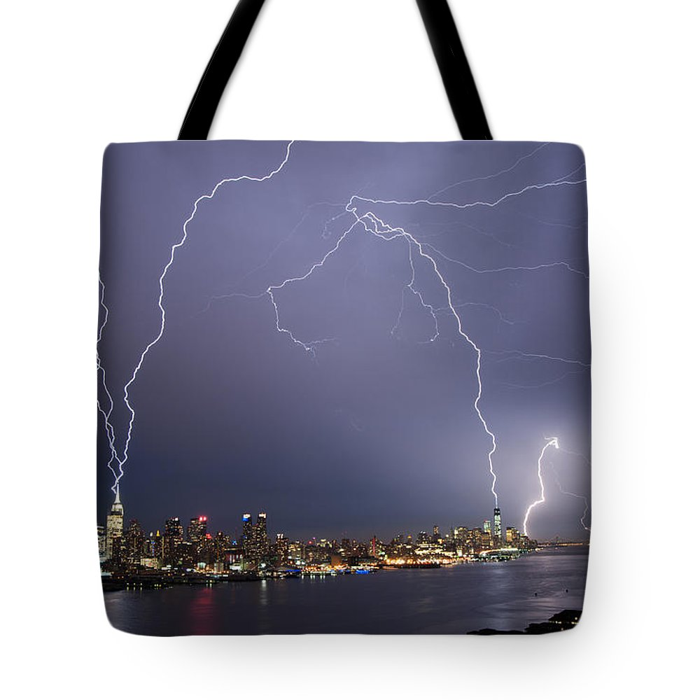 Storm Tote Bag featuring the photograph Lightening Over Manhattan by Zina Zinchik