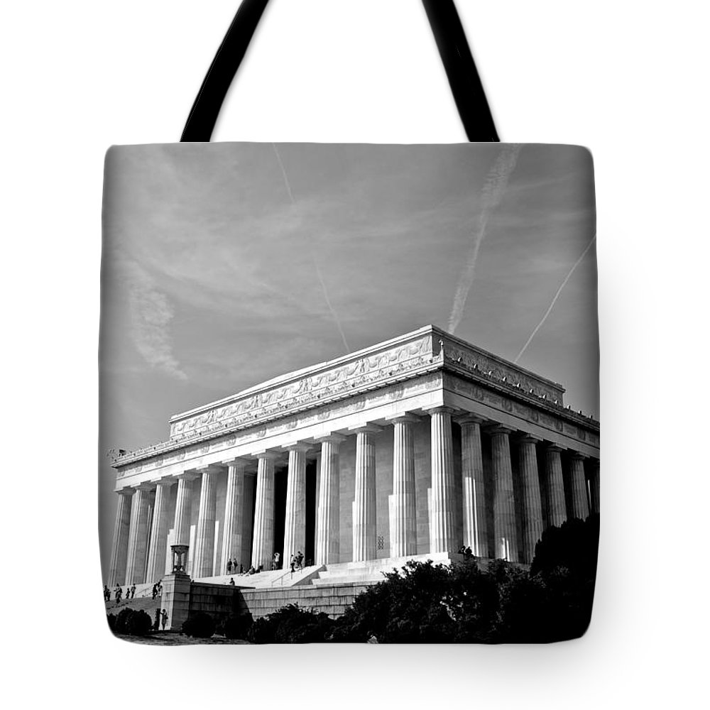 Abraham Lincoln Tote Bag featuring the photograph Lincoln Memorial by Eric Tressler