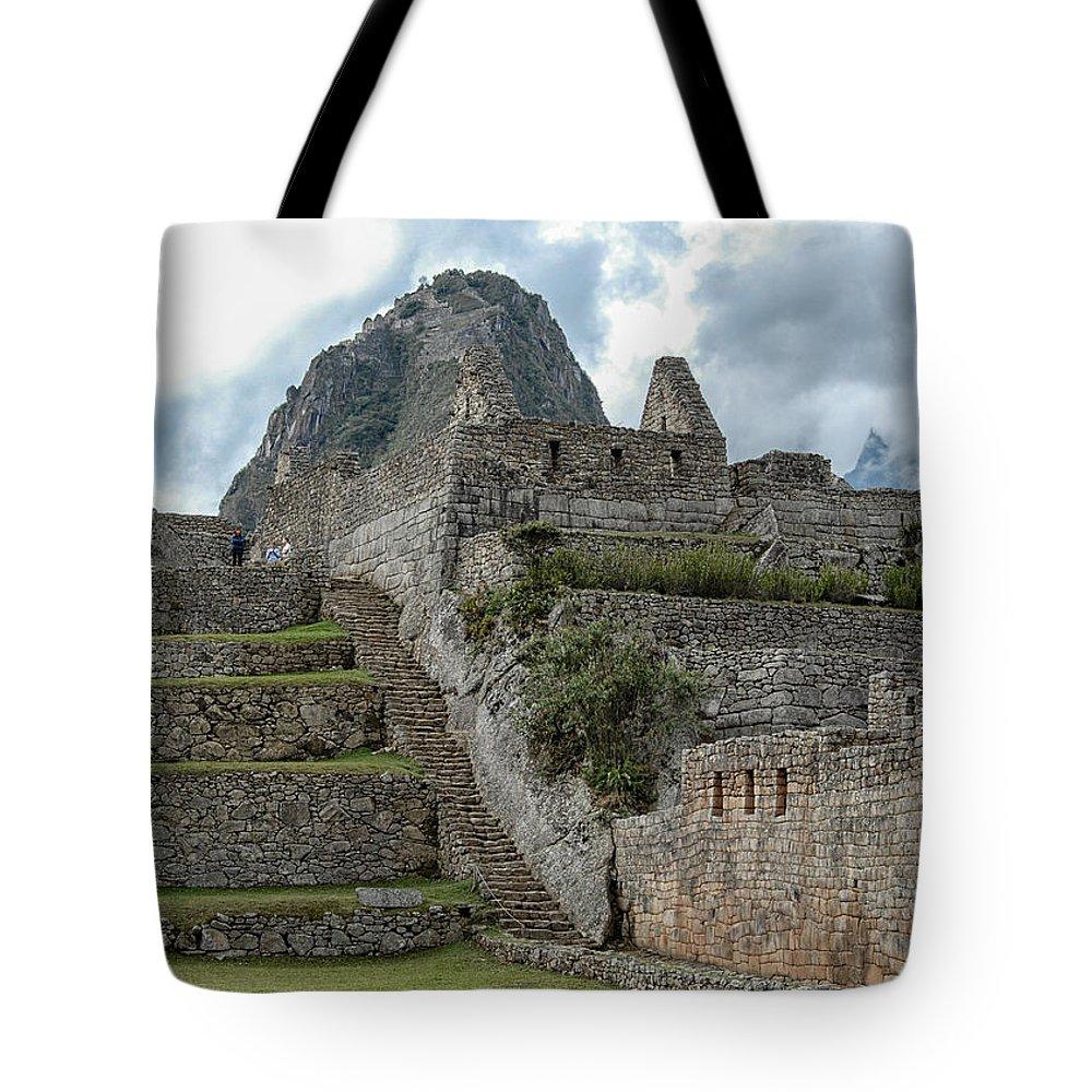 Peru Tote Bag featuring the photograph Machu Picchu - 2 by Alan Toepfer