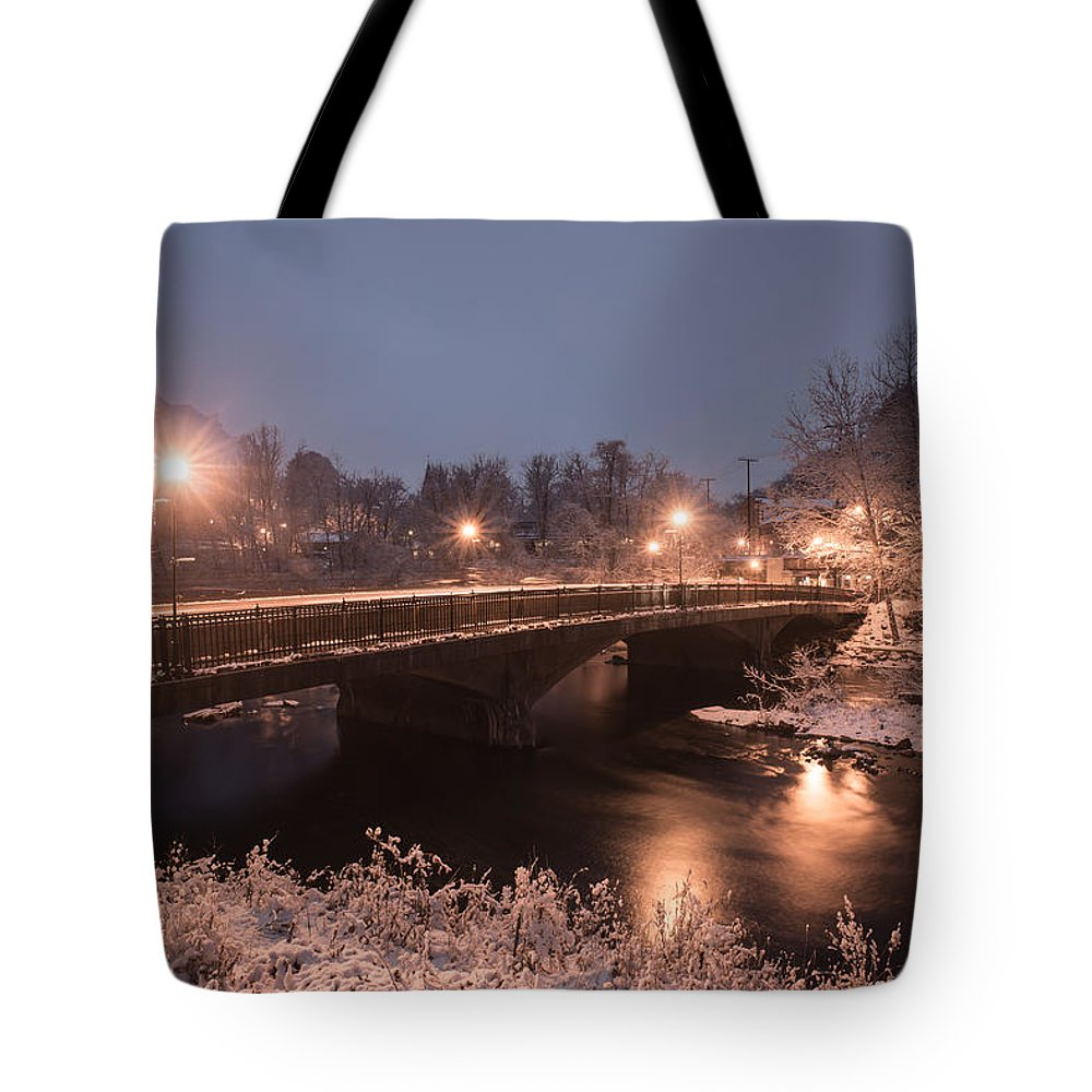 Tote Bag featuring the photograph Main Street Bridge by Dana Sohr