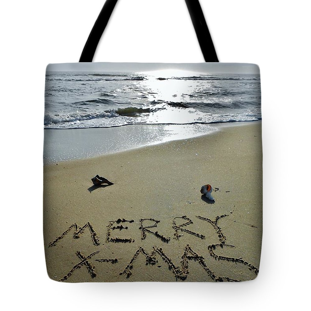 Mark Lemmon Cape Hatteras Nc The Outer Banks Photographer Subjects From Sunrise Tote Bag featuring the photograph Merry Christmas Sand Art 5 12/25 by Mark Lemmon