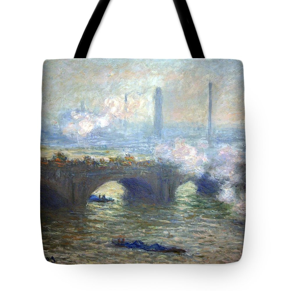 Waterloo Bridge Tote Bag featuring the photograph Monet's Waterloo Bridge On A Gray Day by Cora Wandel