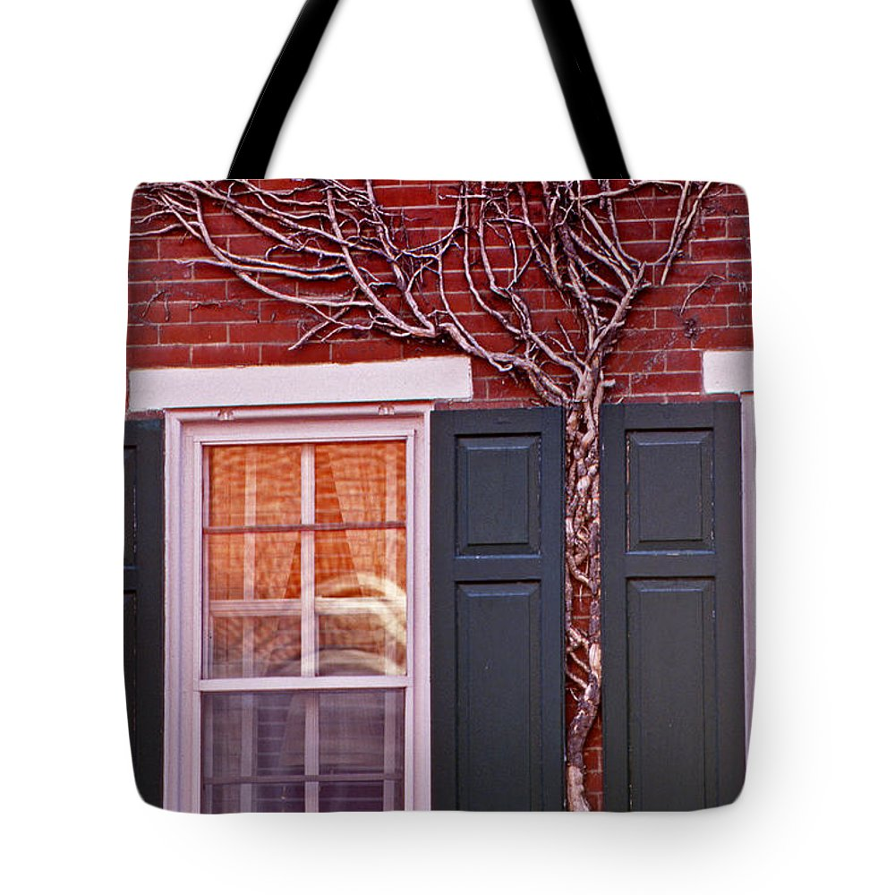 Scenic Tours Tote Bag featuring the photograph Number 42 by Skip Willits