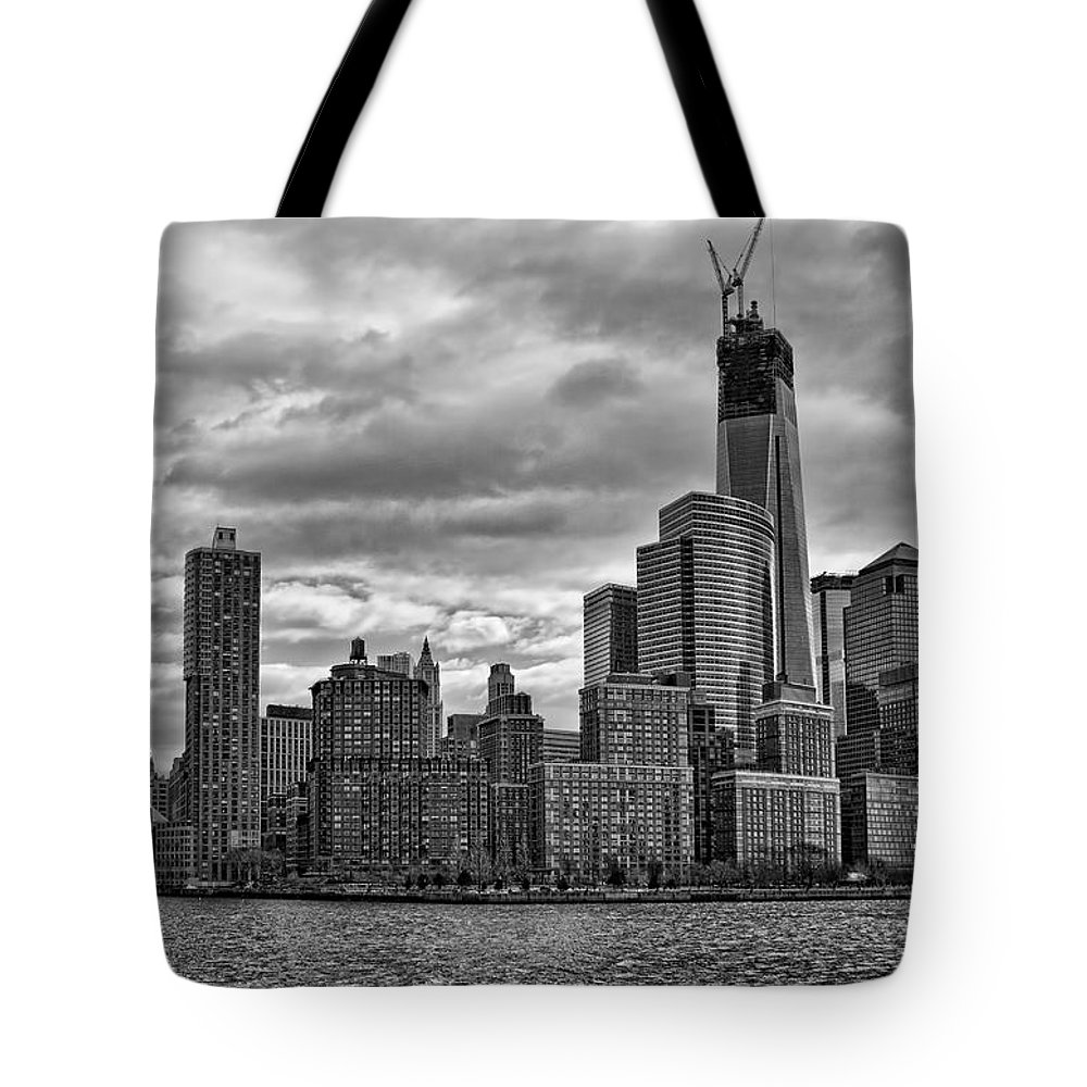 New York City Tote Bag featuring the photograph One World Trade Center Bw by Lindley Johnson