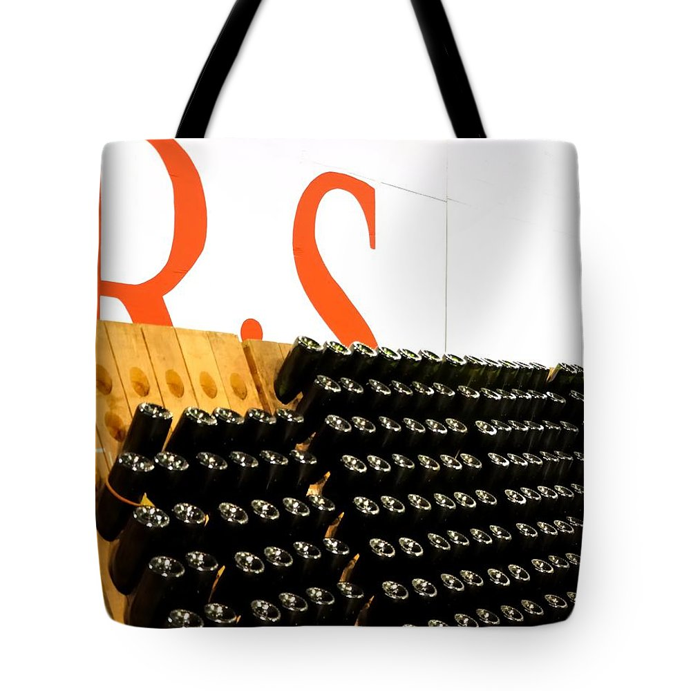 Mcminville Tote Bag featuring the photograph R Stuart Wine 21126 by Jerry Sodorff