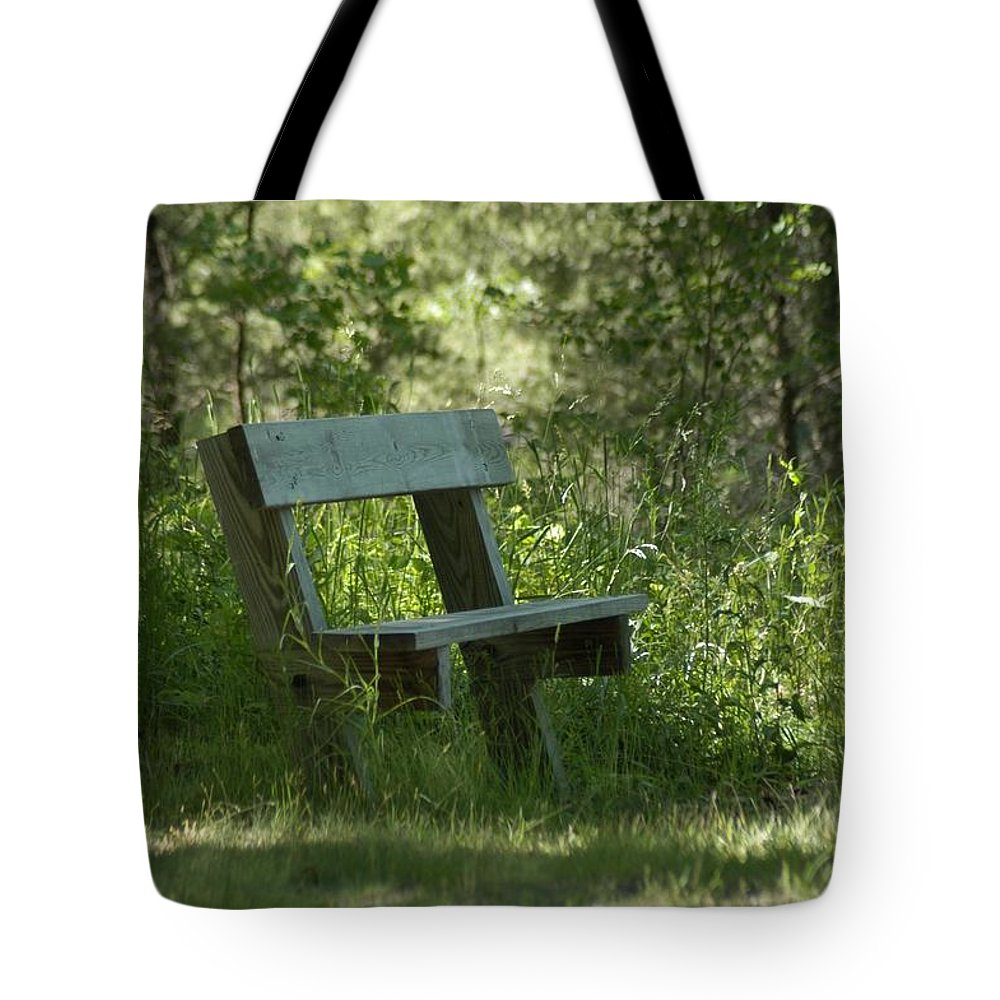 Atlanta Tote Bag featuring the photograph Rest by Joseph Yarbrough