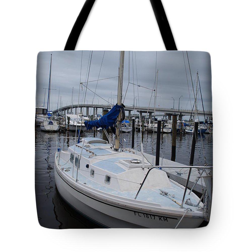 Boat Basin Tote Bag featuring the photograph Sailboat by Robert Floyd