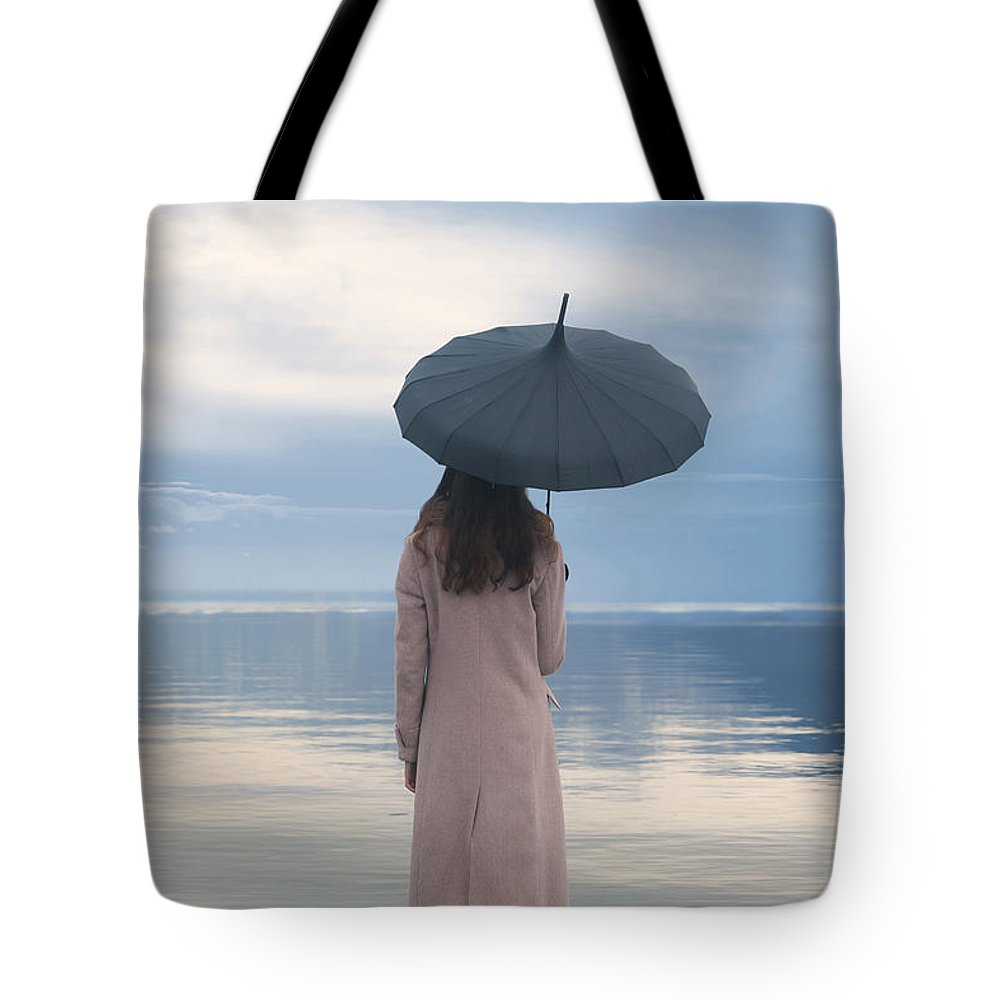 Woman Tote Bag featuring the photograph Travelling by Joana Kruse