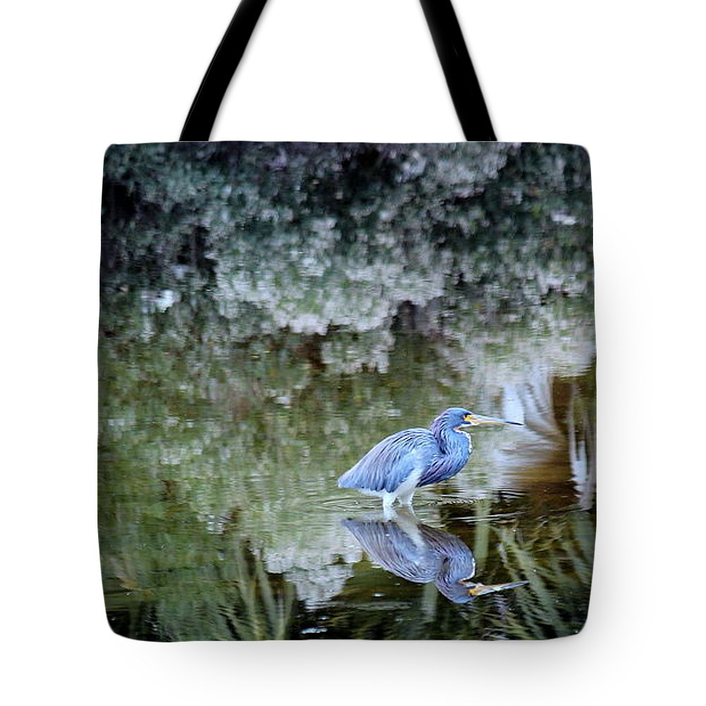 Heron Tote Bag featuring the photograph Tri Colored Heron by Rosanne Jordan