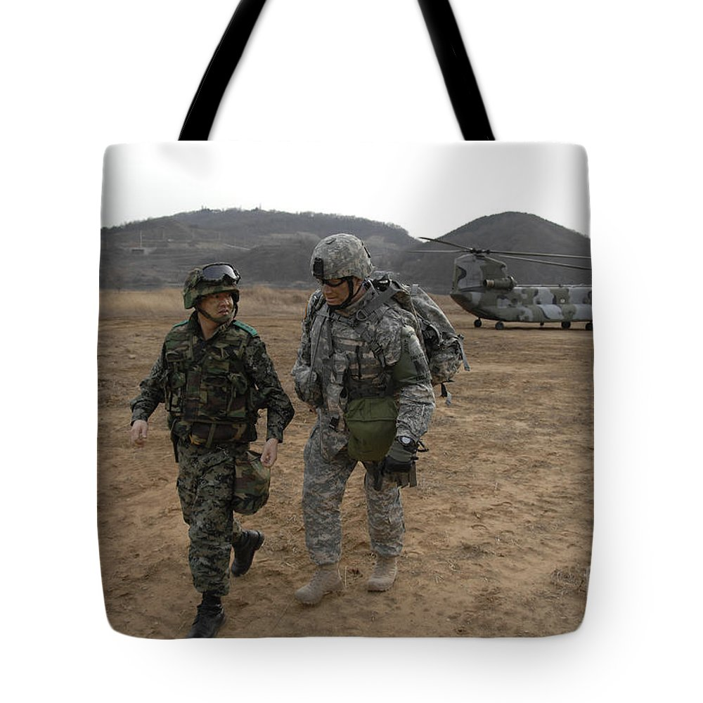 Us Armed Forces Tote Bag featuring the photograph U.s. Army Commander, Right by Stocktrek Images