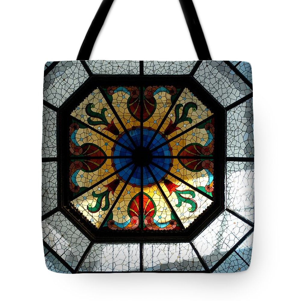 Architecture Tote Bag featuring the photograph Visions by Joseph Yarbrough