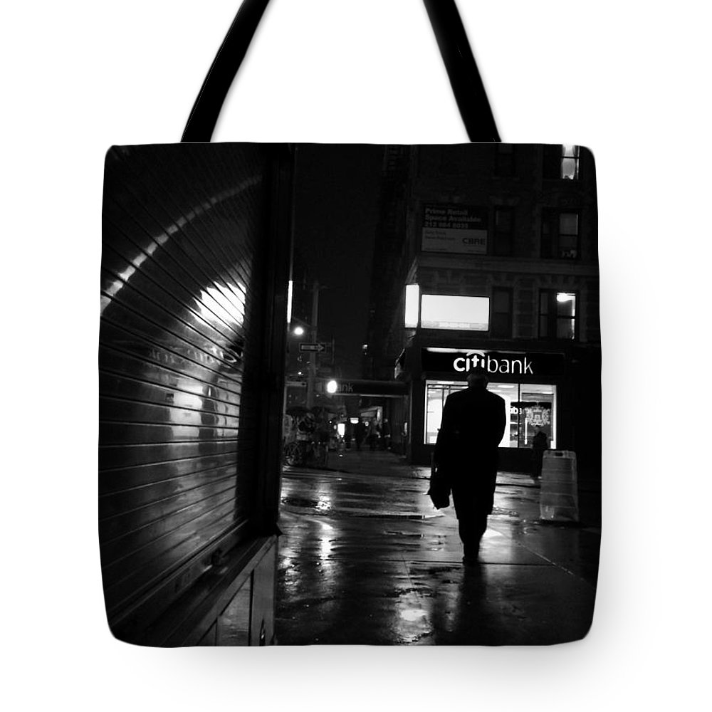 Street Photography Tote Bag featuring the photograph 10 P M by Miriam Danar
