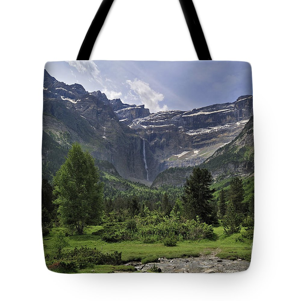 Cirque De Gavarnie Tote Bag featuring the photograph 120520p192 by Arterra Picture Library