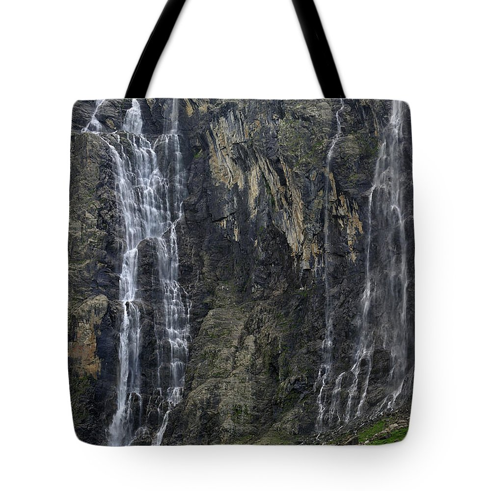 Cirque De Gavarnie Tote Bag featuring the photograph 120520p197 by Arterra Picture Library
