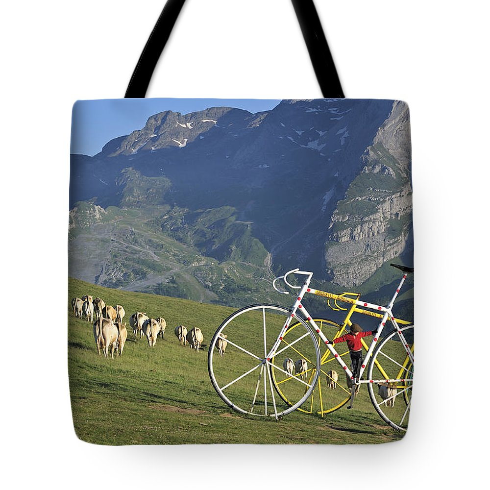 Statue Tote Bag featuring the photograph 120520p230 by Arterra Picture Library