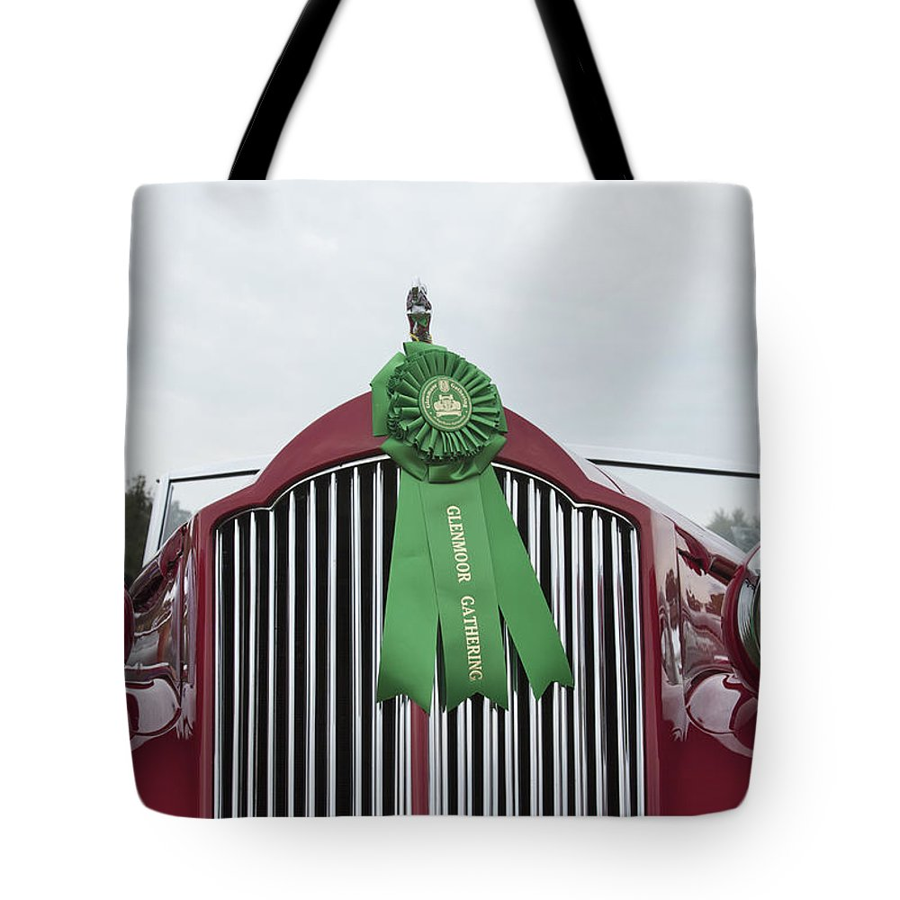 Antique Tote Bag featuring the photograph 1939 Packard by Jack R Perry