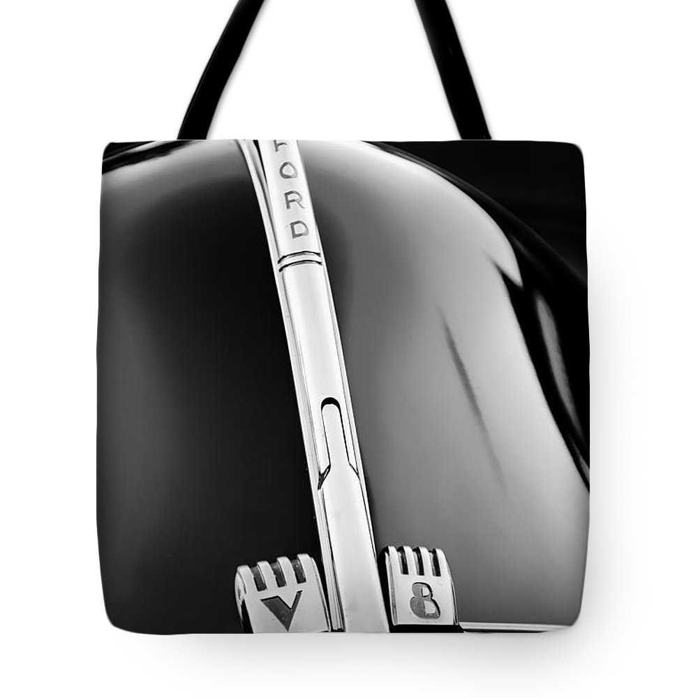 1940 Ford V8 Hood Ornament Tote Bag featuring the photograph 1940 Ford V8 Hood Ornament -323bw by Jill Reger