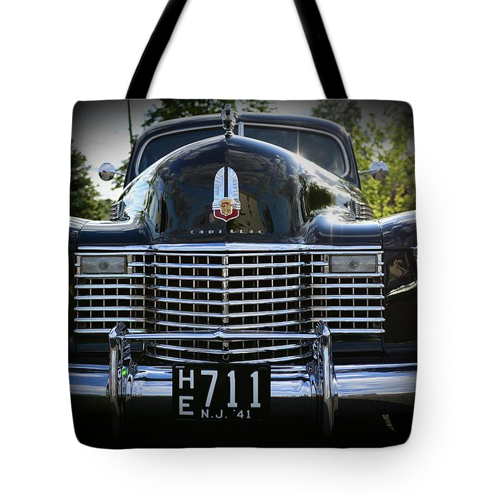 1941 Cadillac Tote Bag featuring the photograph 1941 Cadillac Front End by Paul Ward