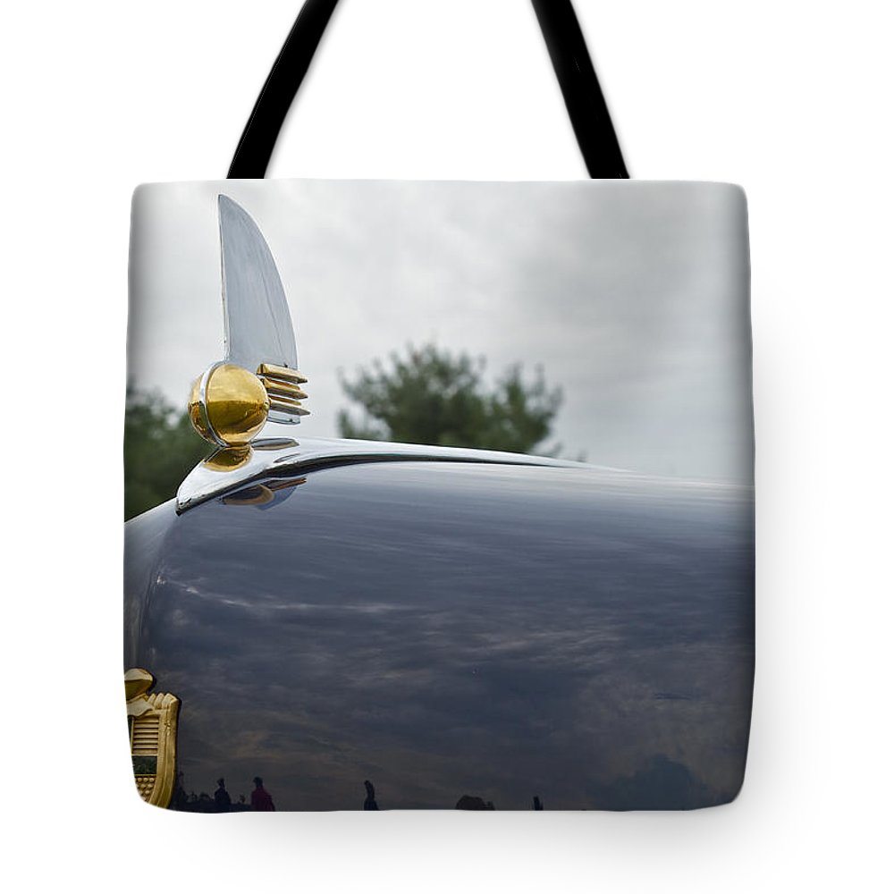 Glenmoor Tote Bag featuring the photograph 1942 Lincoln by Jack R Perry