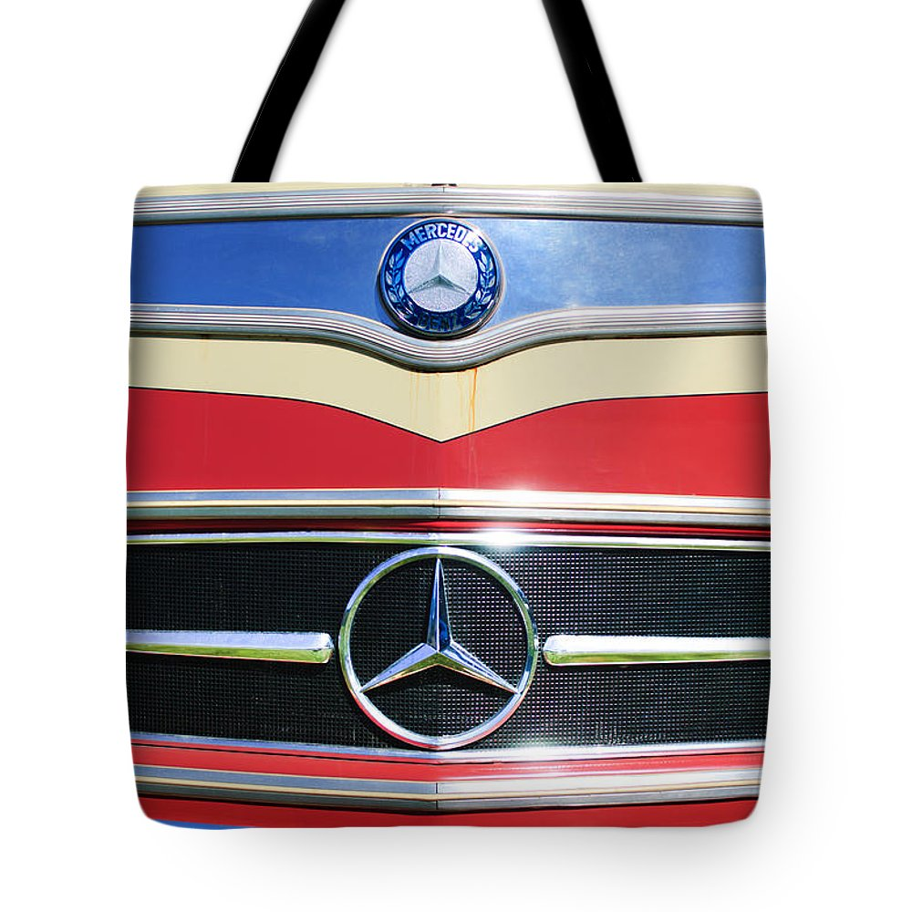 1961 Mercedes-benz Type O321h Bus Grille Emblem Tote Bag featuring the photograph 1961 Mercedes-benz Type O321h Bus Grille Emblem by Jill Reger