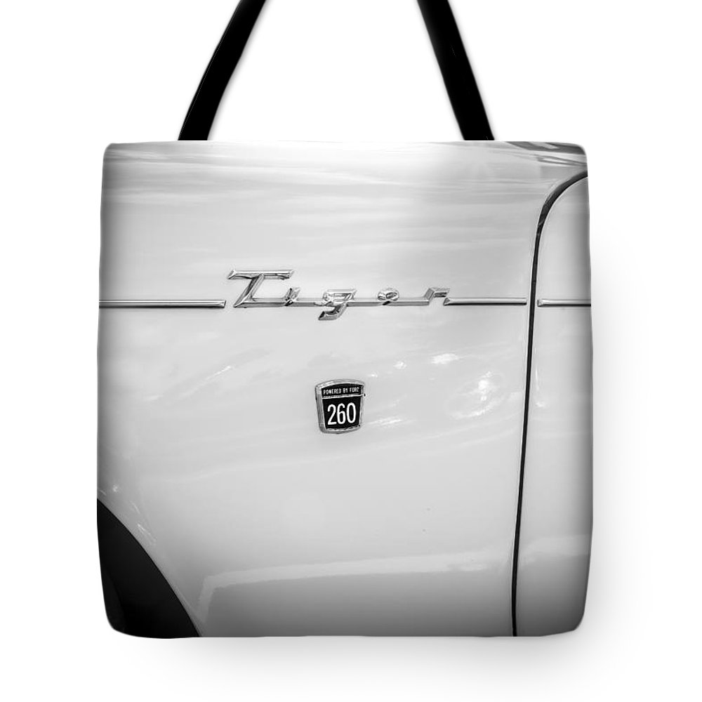 1965 Sunbeam Tiger Tote Bag featuring the photograph 1965 Sunbeam Tiger 260 V8 Bw by Rich Franco