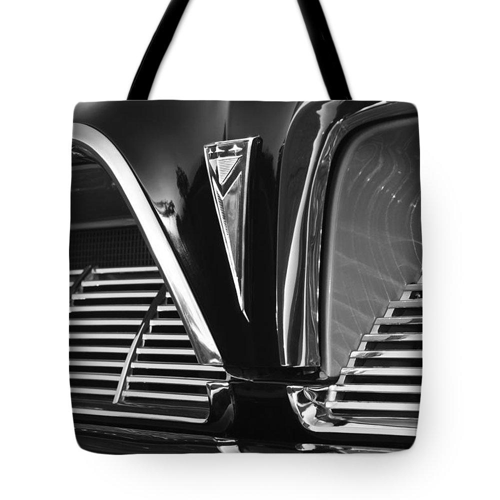 1961 Pontiac Catalina Grille Emblem Tote Bag featuring the photograph 1961 Pontiac Catalina Grille Emblem by Jill Reger