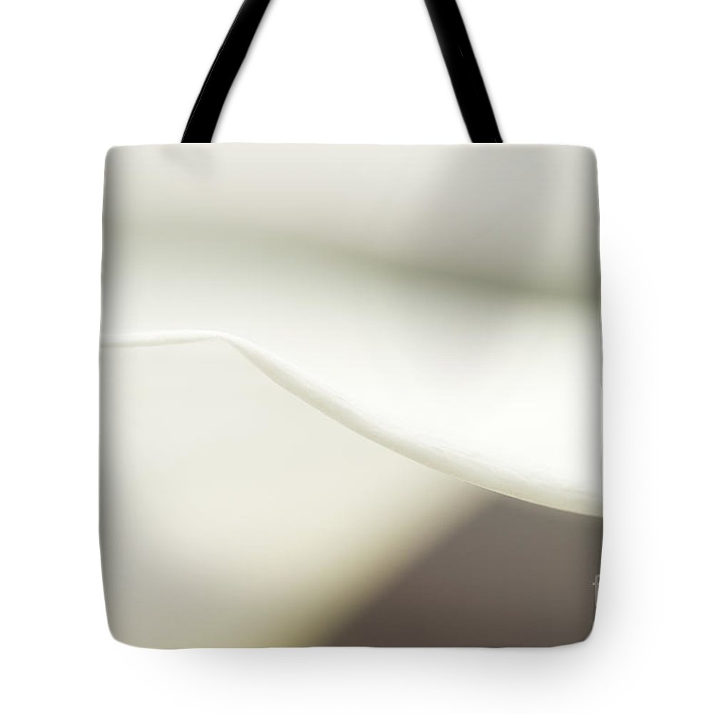 Beauty Tote Bag featuring the photograph Calla Lily Close Up by Jim Corwin
