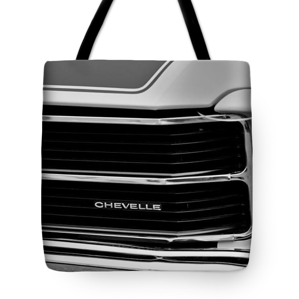 Chevrolet Chevelle Ss Grille Emblem Tote Bag