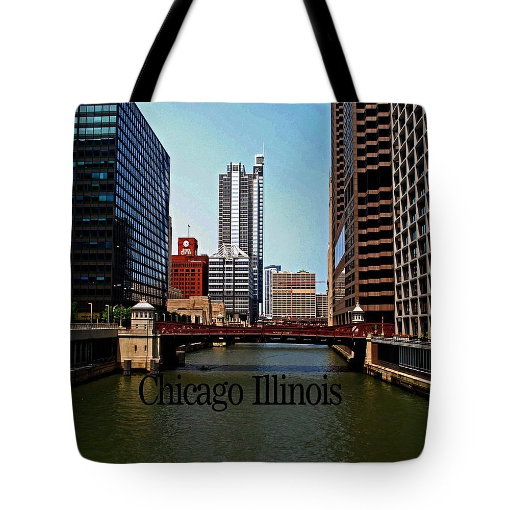 Illinois Tote Bag featuring the photograph Chicago River by Gary Wonning