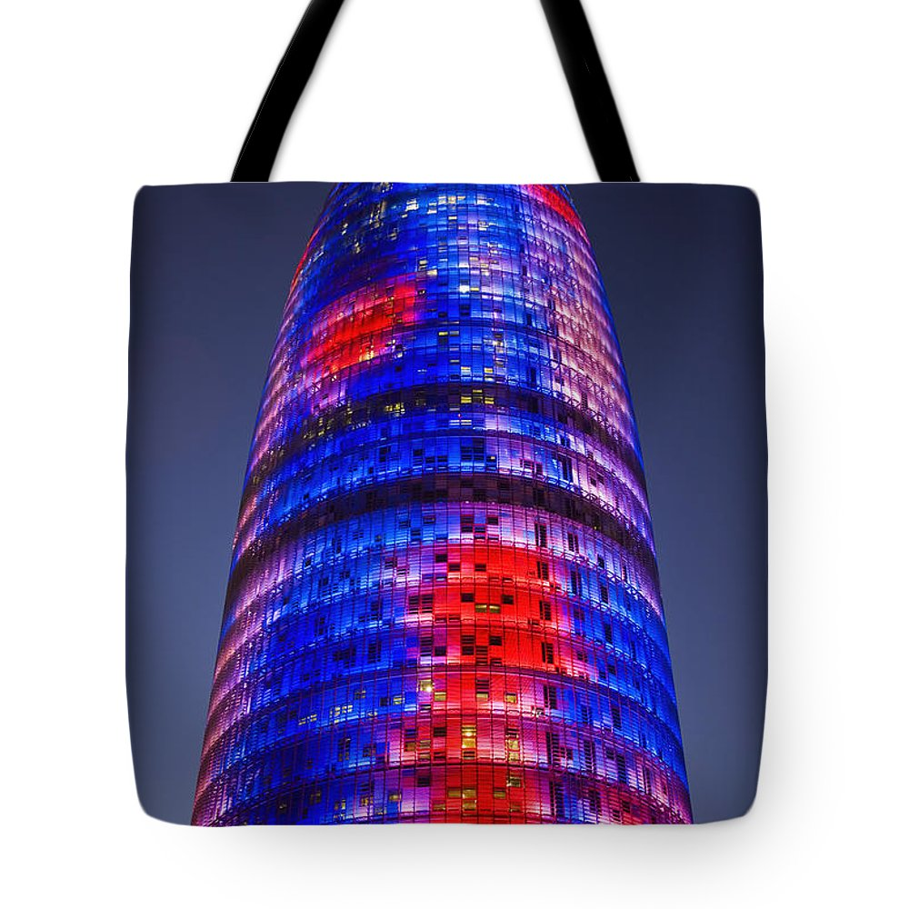 Sanchez Pereyra Tote Bag featuring the photograph Colorful Elevation Of Modern Building by Carlos Sanchez Pereyra