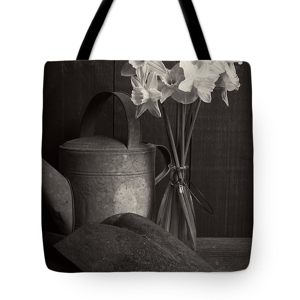 Daffodils Tote Bag featuring the photograph Daffodils by Edward Fielding
