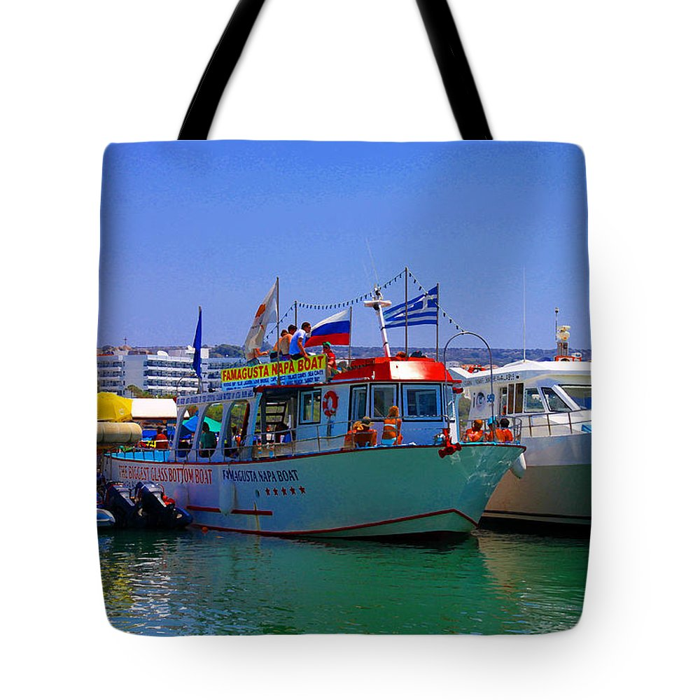 Augusta Stylianou Tote Bag featuring the photograph Happy Holidays by Augusta Stylianou