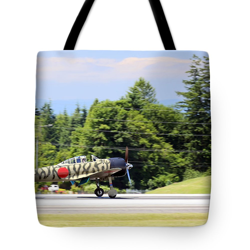 War Tote Bag featuring the photograph Mitsubishi A6m3-22 Reisen Zero by Paul Fell