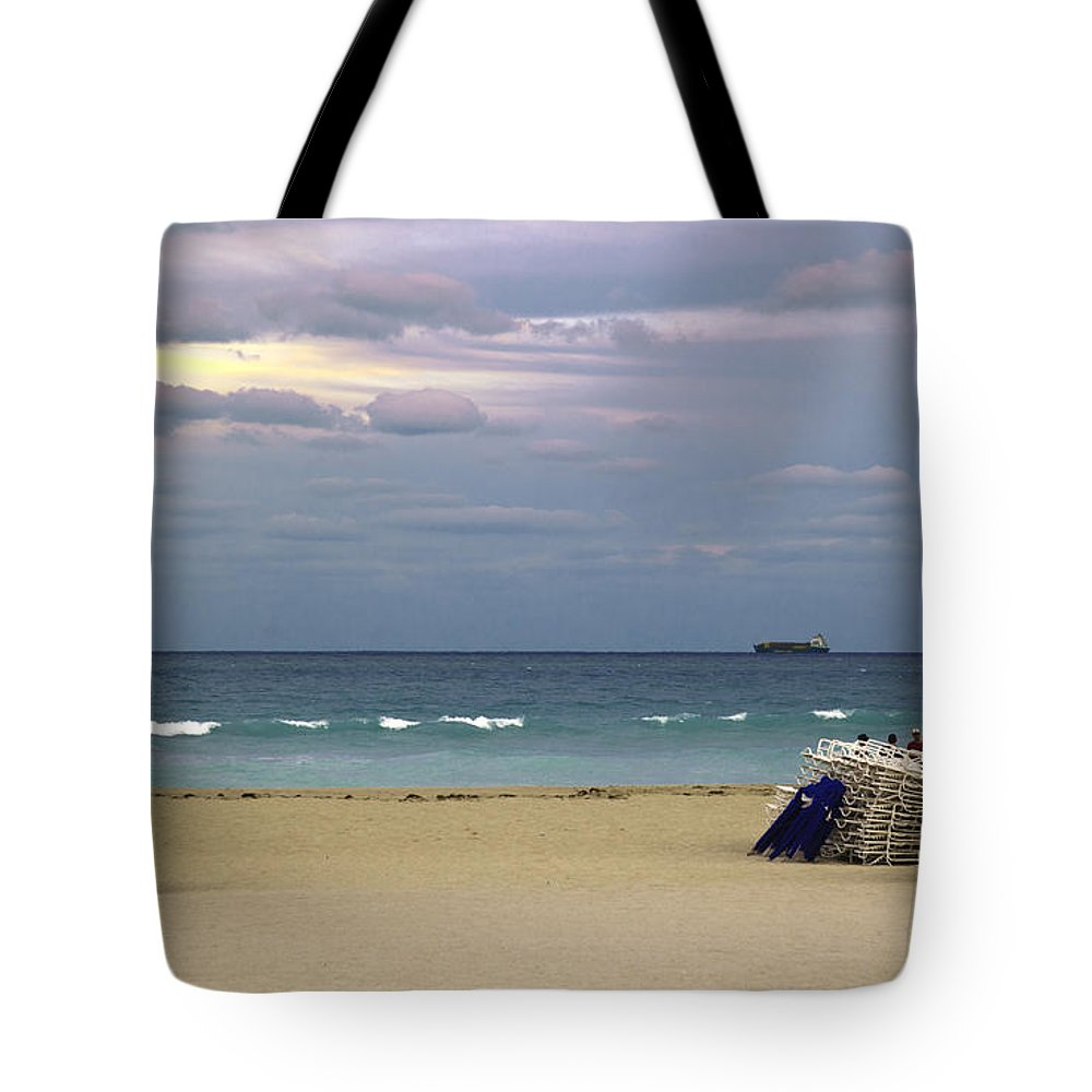 Ocean Tote Bag featuring the photograph Ocean View 1 - Miami Beach - Florida by Madeline Ellis