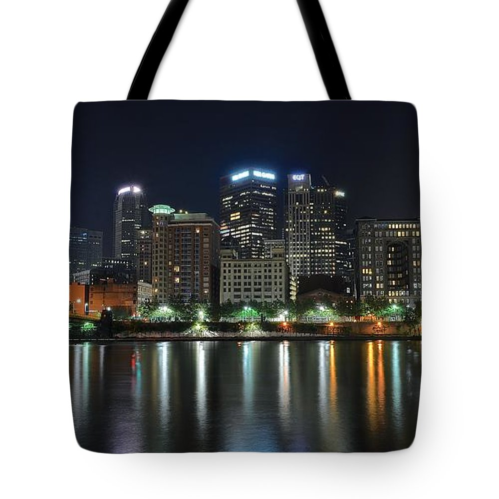 Pittsburgh Tote Bag featuring the photograph Pittsburgh Panorama by Frozen in Time Fine Art Photography