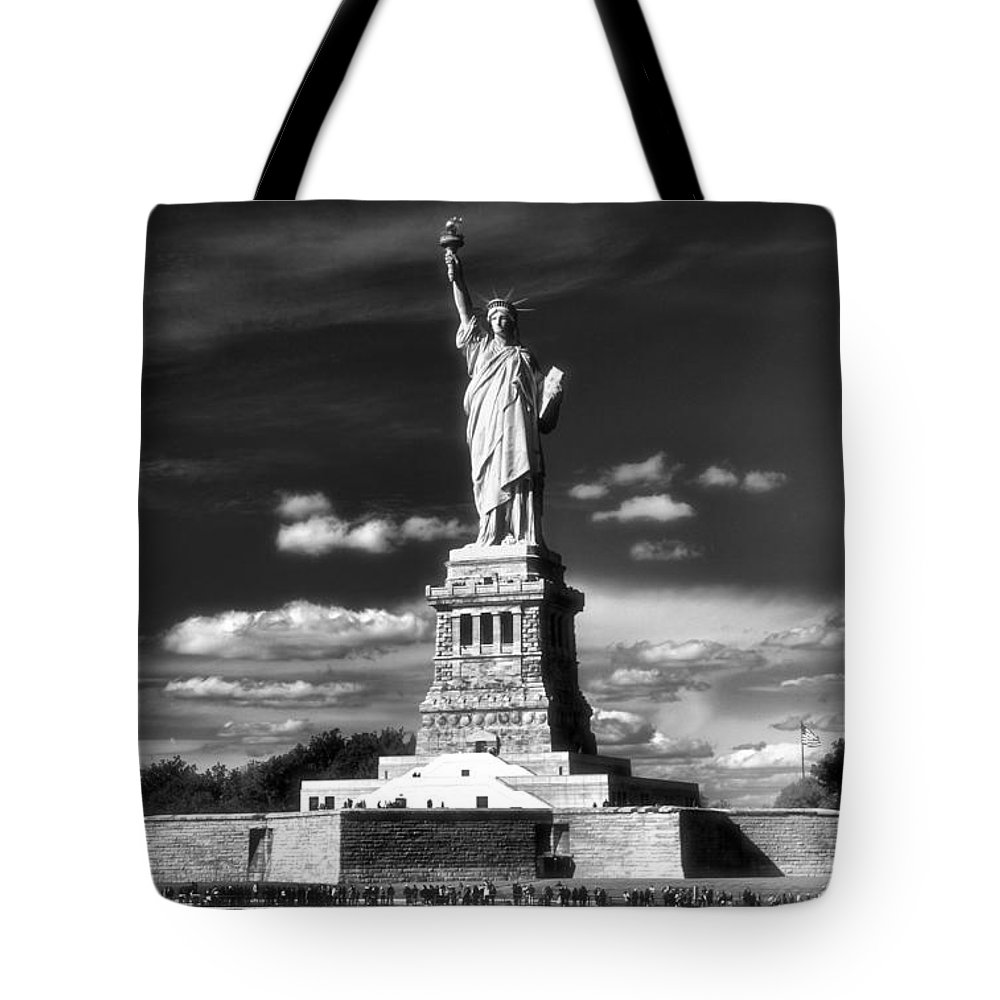 Statue Of Liberty Tote Bag featuring the photograph Statue Of Liberty by Dan Sproul