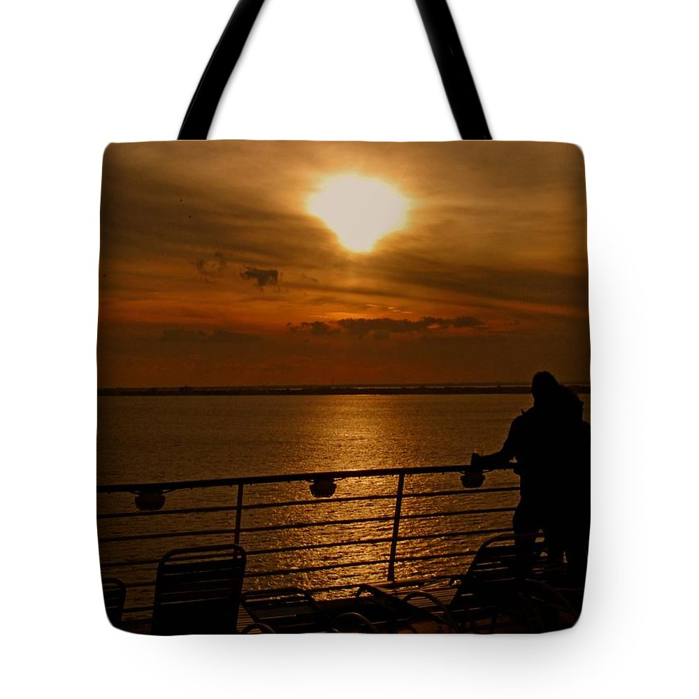 Sunset Tote Bag featuring the photograph Sunset In Paradise by Gary Wonning