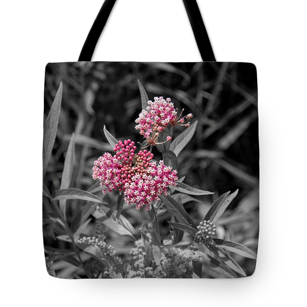 South Dakota Tote Bag featuring the photograph 21687 by M Dale